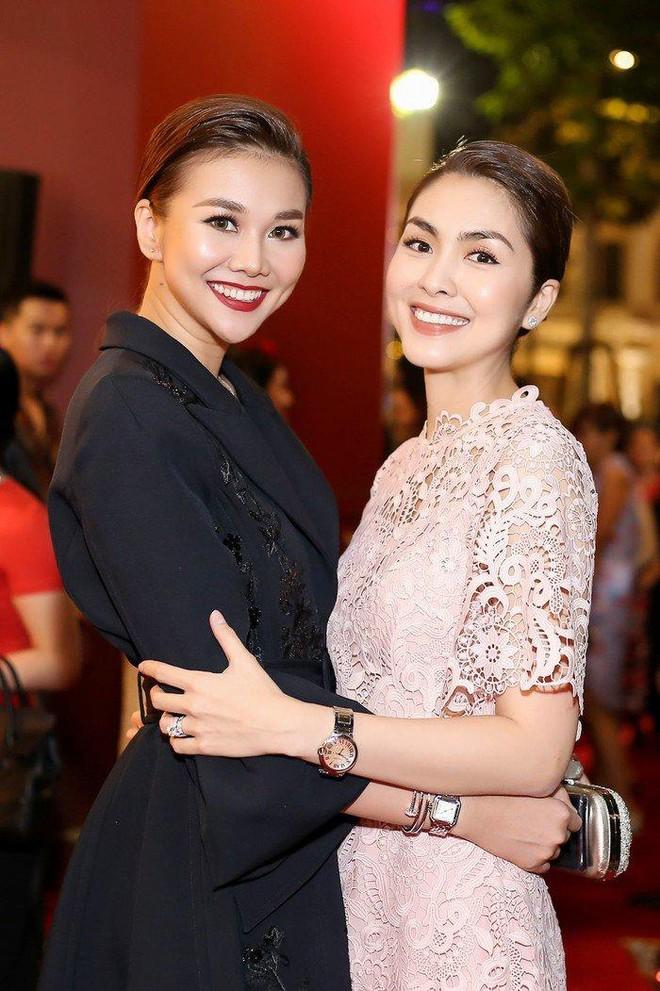 Hà Tăng khi chung khung hình với dàn Hoa hậu: Dù makeup đậm hay nhạt cũng không ngán bất cứ ai - ảnh 8