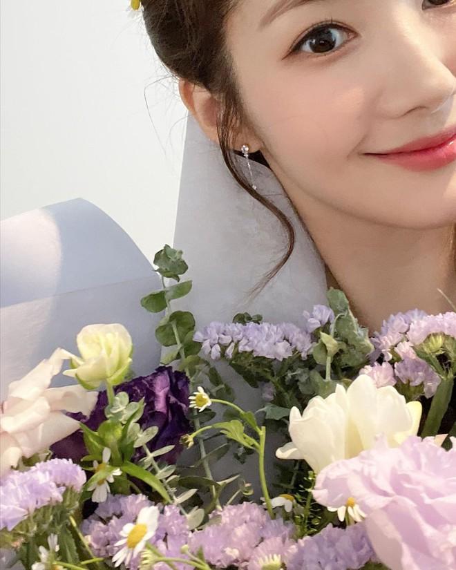 Park Min Young - Park Seo Joon lộ bằng chứng hẹn hò ngắm hoa anh đào, còn dùng chiêu này để đánh lạc hướng? - ảnh 6