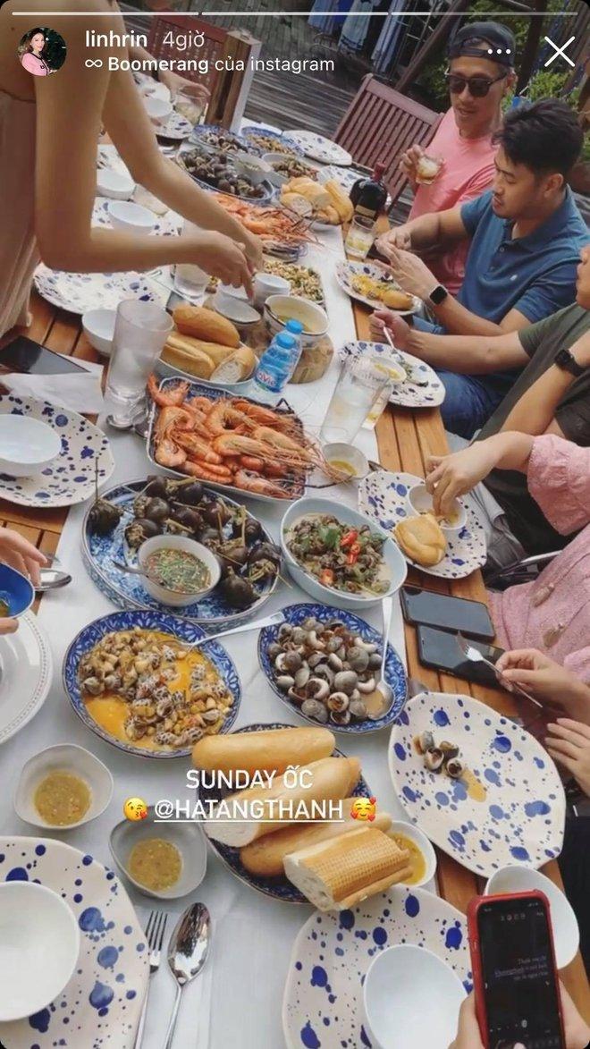 Tiệc cuối tuần giới nhà giàu: Hà Tăng nấu cả bàn ốc như nhà hàng, Băng Di - Linh Rin đến Hoa hậu trái đất thi nhau xuýt xoa - ảnh 9