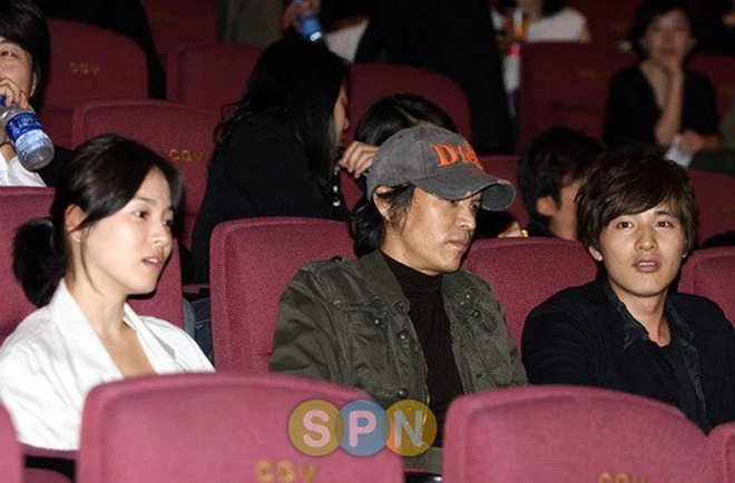 Dám yêu dám hận, 4 mỹ nhân châu Á trở mặt cực gắt khi cạn tình: Song Hye Kyo quá lạnh lùng nhưng chưa là gì so với Trịnh Sảng - ảnh 4