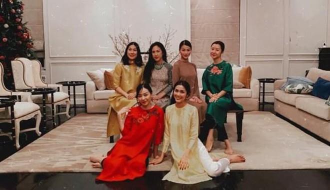 Tiệc cuối tuần giới nhà giàu: Hà Tăng nấu cả bàn ốc như nhà hàng, Băng Di - Linh Rin đến Hoa hậu trái đất thi nhau xuýt xoa - ảnh 12