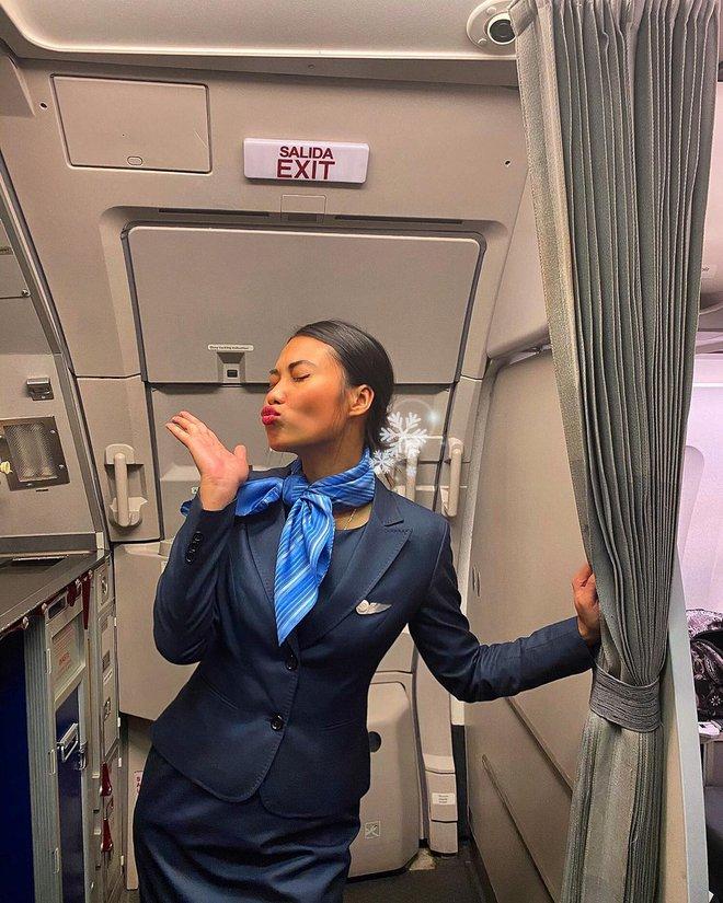 """Gái xinh """"khai"""" hết sướng khổ của tiếp viên hàng không, từng bật khóc vì khách trêu: """"Sao da đen thế mà cũng được làm?"""" - Ảnh 4."""