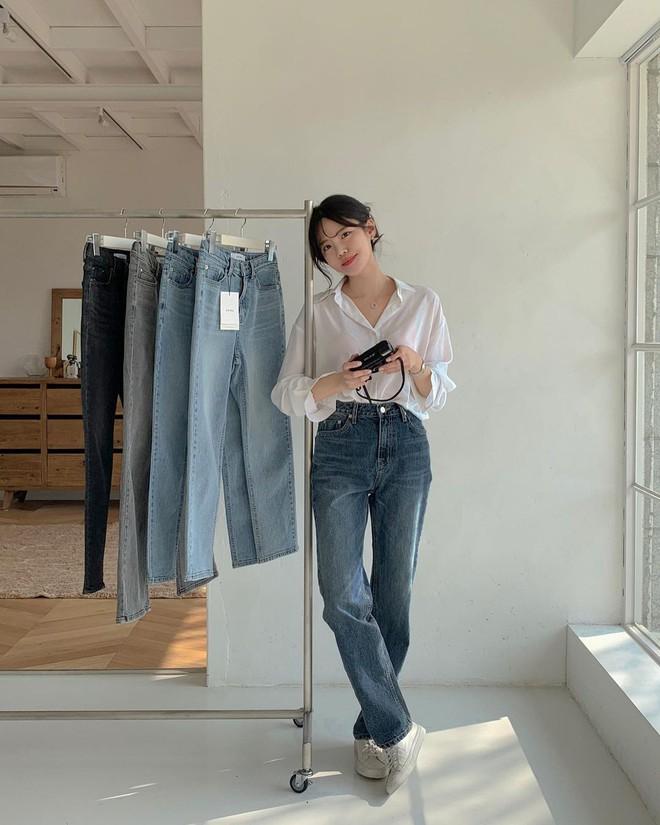 """Học nàng blogger Hàn cách diện jeans """"đỉnh của chóp"""": Vừa hack dáng, vừa thanh lịch để đến sở làm - ảnh 4"""
