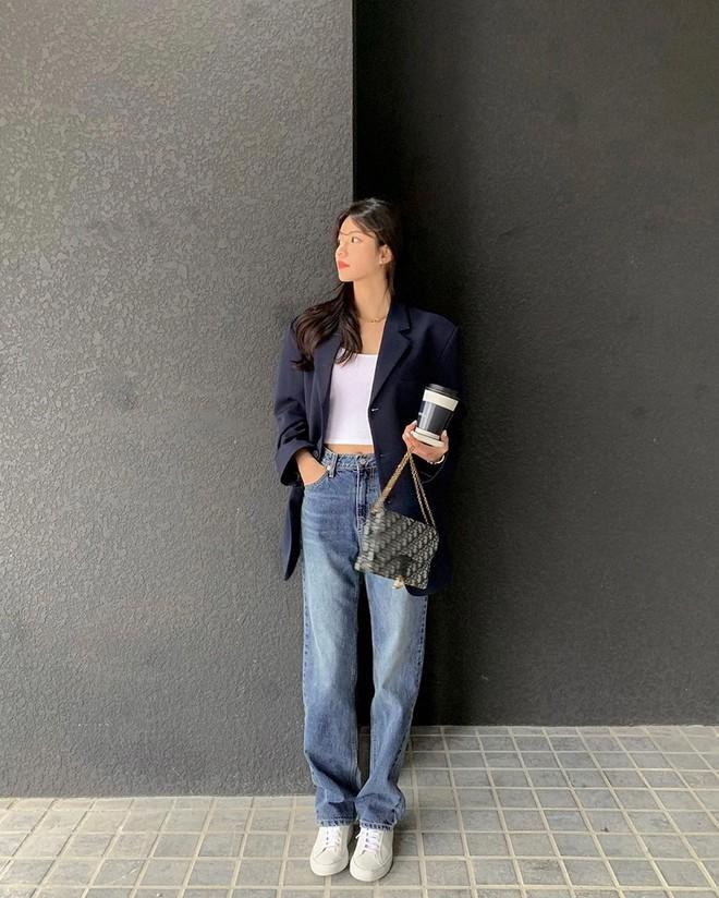 """Học nàng blogger Hàn cách diện jeans """"đỉnh của chóp"""": Vừa hack dáng, vừa thanh lịch để đến sở làm - ảnh 5"""