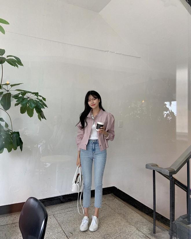 """Học nàng blogger Hàn cách diện jeans """"đỉnh của chóp"""": Vừa hack dáng, vừa thanh lịch để đến sở làm - ảnh 6"""