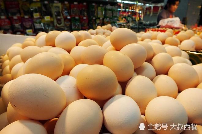 3 loại trứng tuyệt đối đừng nên mua, vừa không tốt cho sức khỏe vừa có thể gây bệnh, đặc biệt là loại thứ 3 được nhiều người yêu thích - ảnh 1