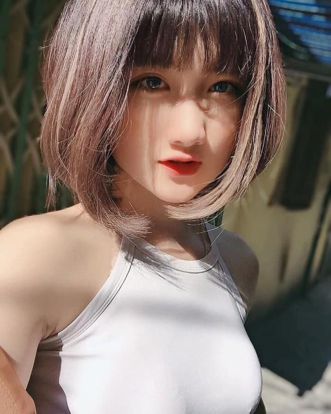Gái xinh Việt lên cả báo Trung vì màn đu trend vòng tay chạm rốn, hóa ra lại là người quen - ảnh 10