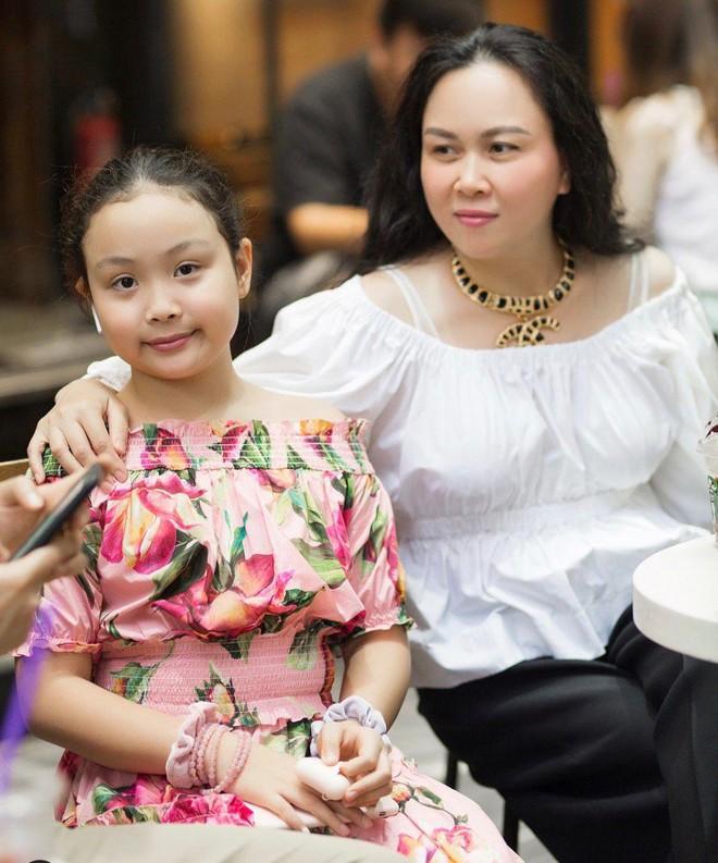 Con gái út Phượng Chanel nói thạo 2 ngôn ngữ, học trường quốc tế có mức học phí đắt nhất Hà Nội - ảnh 2