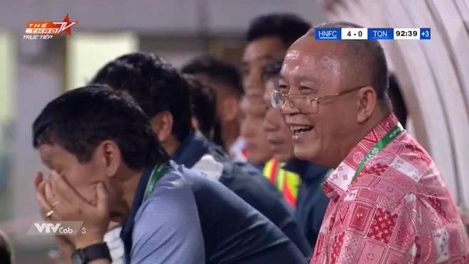 Bầu Đức troll chủ tịch Than Quảng Ninh khi thua đậm Hà Nội FC: Thua mà cười toe toét đây này - ảnh 1