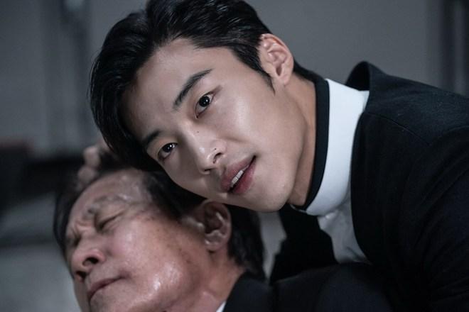 Bàn Tay Diệt Quỷ: Park Seo Joon ơi, anh đang làm cái gì thế này? - ảnh 4