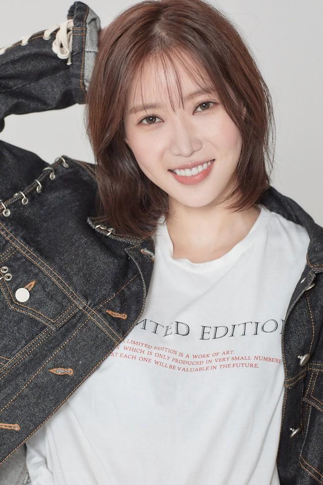 Knet yêu cầu Seo Ye Ji rút lui khỏi làng giải trí, gọi tên loạt sao nữ cùng sinh năm 1990 tài sắc gấp vạn lần - Ảnh 11.