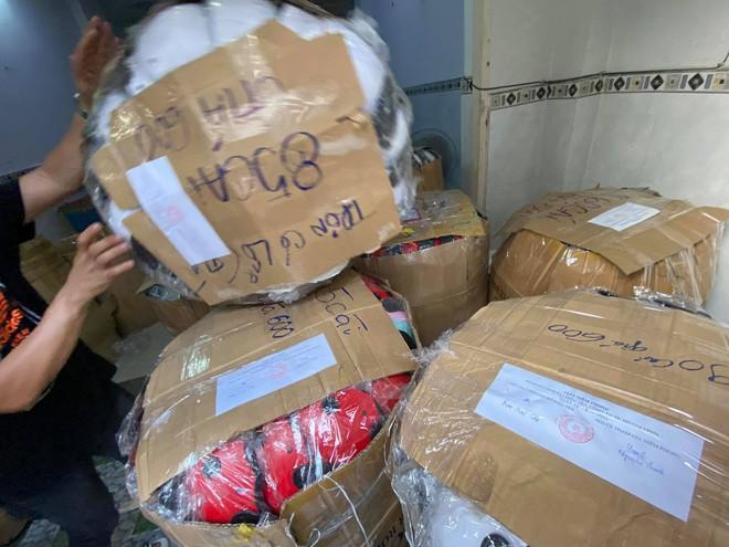 TP.HCM: Phát hiện hàng nghìn mũ bảo hiểm Nón Sơn giả - ảnh 4