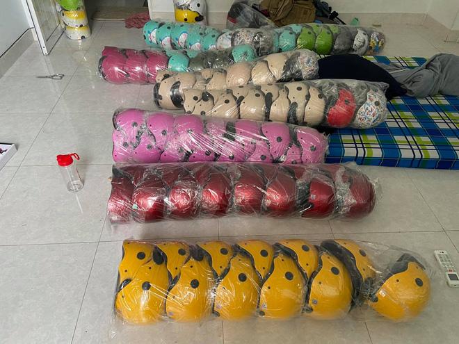 TP.HCM: Phát hiện hàng nghìn mũ bảo hiểm Nón Sơn giả - ảnh 1