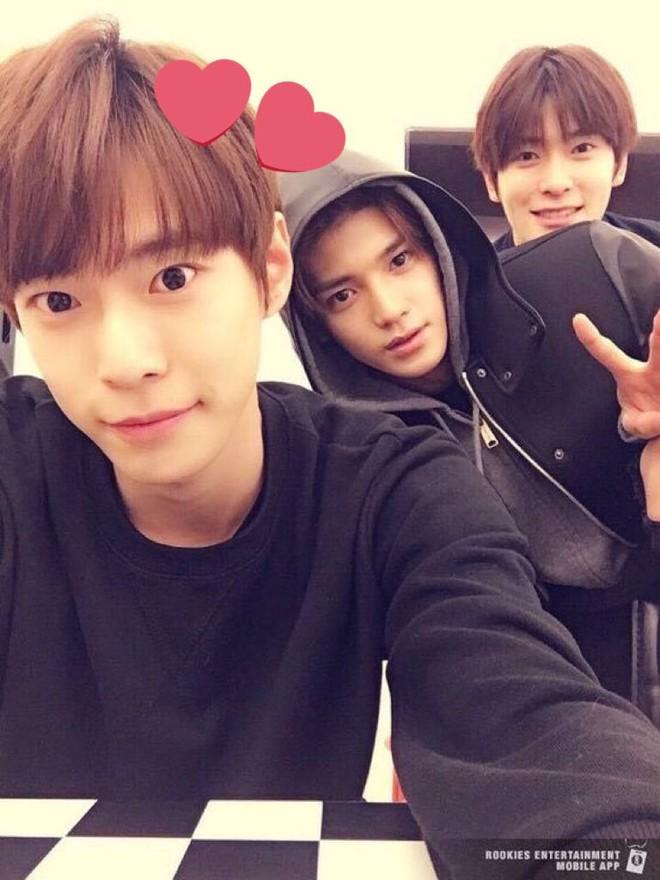 Netizen phát sốt với ảnh hậu kỳ selfie của loạt idol xứ Hàn, kỹ năng thượng thừa hay nhan sắc đỉnh cao? - ảnh 6