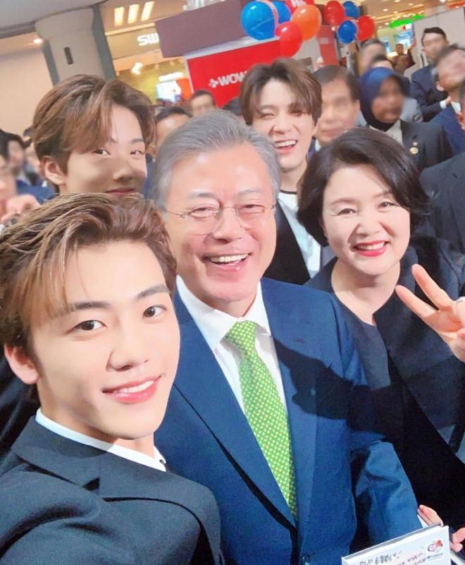 Netizen phát sốt với ảnh hậu kỳ selfie của loạt idol xứ Hàn, kỹ năng thượng thừa hay nhan sắc đỉnh cao? - ảnh 8