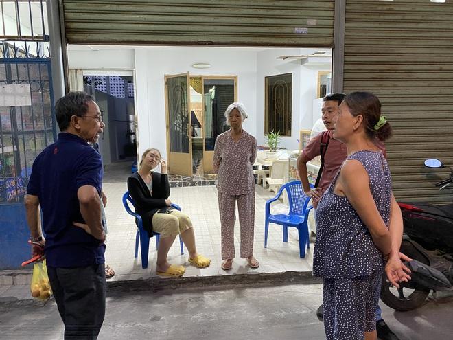 """Khổ như Sài Gòn cúp nước: Người dân phải """"nhịn"""" vệ sinh buổi tối, tích trữ nước trước 5 giờ chiều - ảnh 2"""
