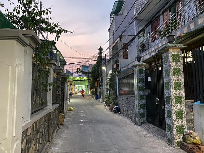 """Khổ như Sài Gòn cúp nước: Người dân phải """"nhịn"""" vệ sinh buổi tối, tích trữ nước trước 5 giờ chiều - ảnh 7"""