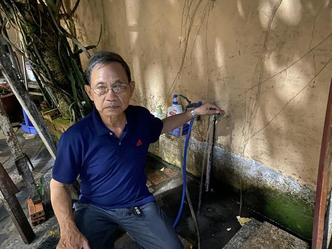 """Khổ như Sài Gòn cúp nước: Người dân phải """"nhịn"""" vệ sinh buổi tối, tích trữ nước trước 5 giờ chiều - ảnh 6"""