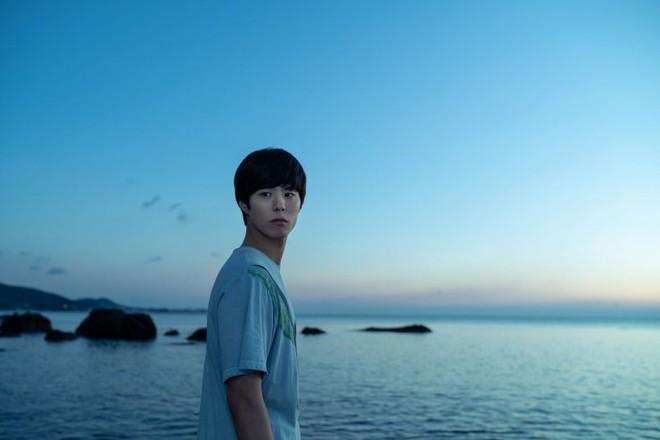 Người Nhân Bản: Gong Yoo và Park Bo Gum cũng không thể làm nên mùa xuân? - ảnh 7