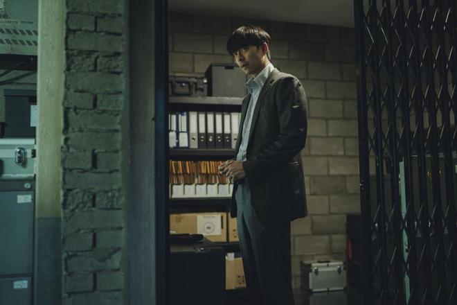 Người Nhân Bản: Gong Yoo và Park Bo Gum cũng không thể làm nên mùa xuân? - ảnh 8