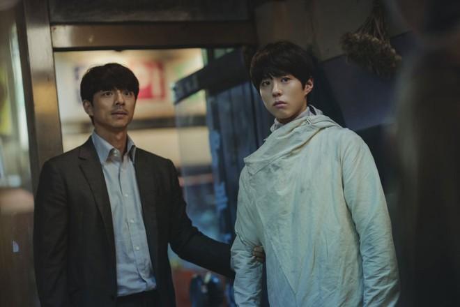 Người Nhân Bản: Gong Yoo và Park Bo Gum cũng không thể làm nên mùa xuân? - ảnh 10