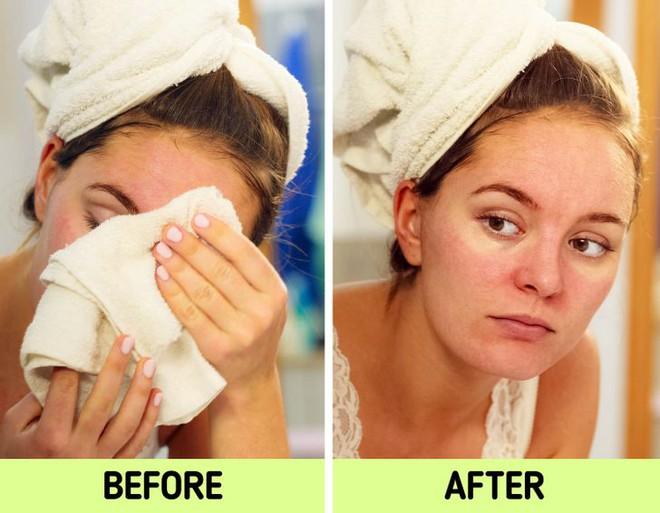 Nếu biết lý do khiến làn da ngày càng nhăn nheo mụn nhọt, bạn sẽ cạch đến già việc dùng khăn lau mặt - ảnh 5