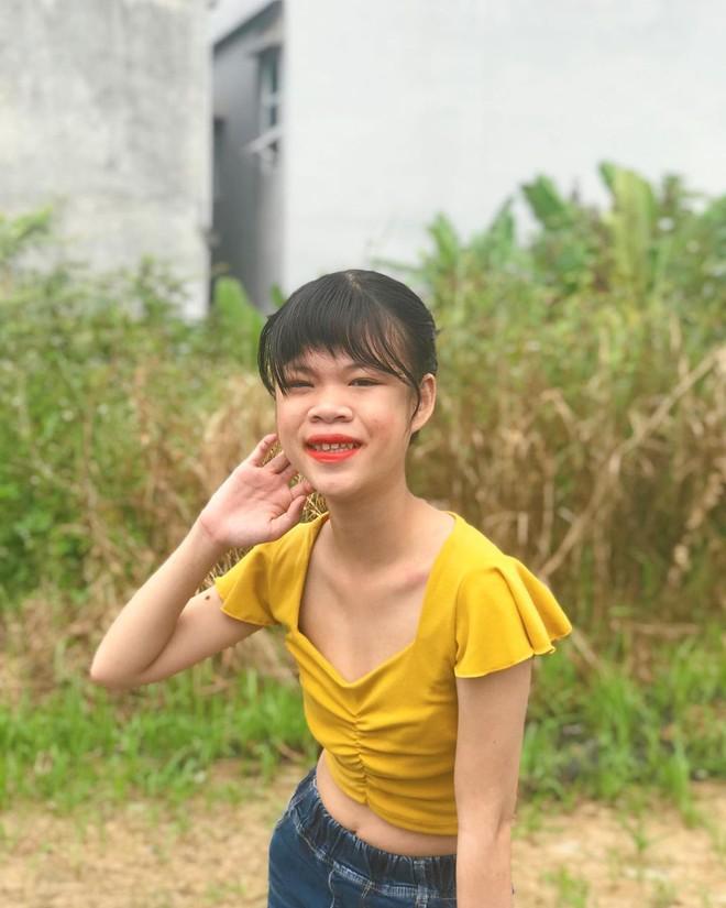 Thanh Nga Bento - tổng thính miền Trung bất ngờ vấp phải ý kiến trái chiều từ fan về phong cách ăn mặc - ảnh 3