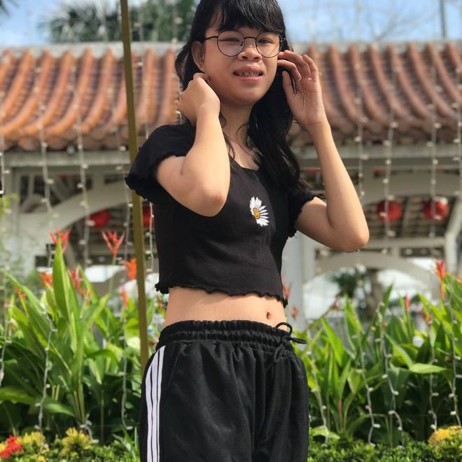 Thanh Nga Bento - tổng thính miền Trung bất ngờ vấp phải ý kiến trái chiều từ fan về phong cách ăn mặc - ảnh 4