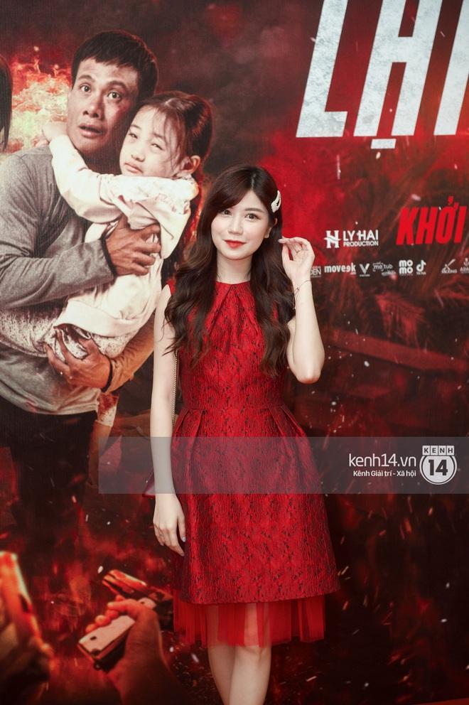 Bà xã của Lý Hải trẻ hú hồn, visual nổi bần bật giữa dàn mỹ nhân 9X tại thảm đỏ Lật Mặt: 48H - ảnh 11