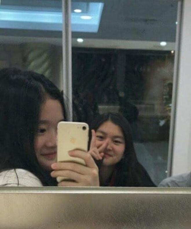 """Tiểu công chúa đế chế Samsung: Chiều cao khủng, bức ảnh cầm Iphone làm dậy sóng MXH và loạt fact ít ai biết về """"biểu tượng richkid Hàn Quốc"""" - ảnh 9"""