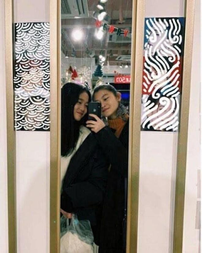 """Tiểu công chúa đế chế Samsung: Chiều cao khủng, bức ảnh cầm Iphone làm dậy sóng MXH và loạt fact ít ai biết về """"biểu tượng richkid Hàn Quốc"""" - ảnh 10"""