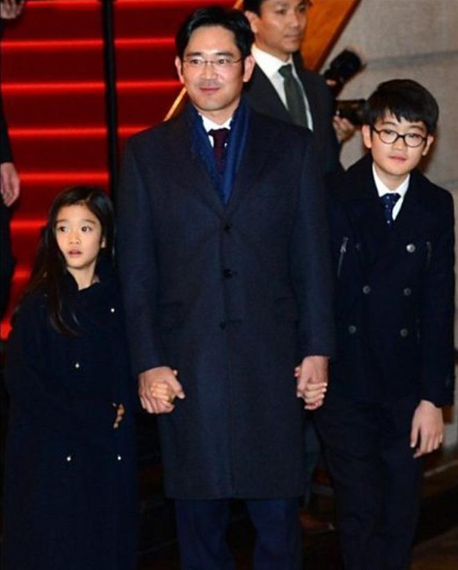 """Tiểu công chúa đế chế Samsung: Chiều cao khủng, bức ảnh cầm Iphone làm dậy sóng MXH và loạt fact ít ai biết về """"biểu tượng richkid Hàn Quốc"""" - ảnh 1"""