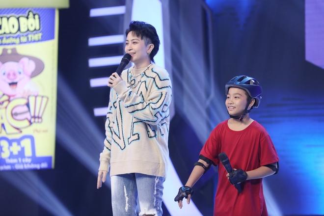Hari Won tiết lộ 3 tuổi từng bị đuổi ra khỏi nhà vì tội... đái dầm 004