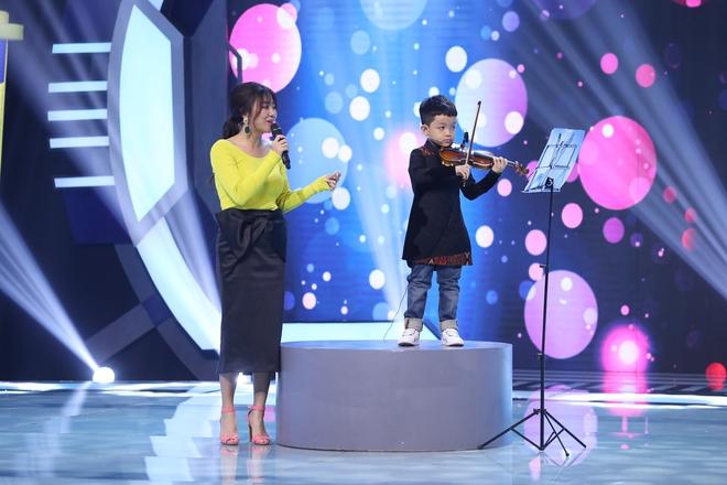 Hari Won tiết lộ 3 tuổi từng bị đuổi ra khỏi nhà vì tội... đái dầm 001