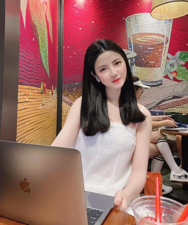 Lộ hint hẹn hò của Quang Hải và bạn gái hơn 3 tuổi: Check