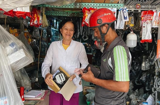 Chuyện về cô Hai Trị cứ giờ tan học lại cầm một tấm bảng lao ra xin đường cho học sinh Sài Gòn - ảnh 11