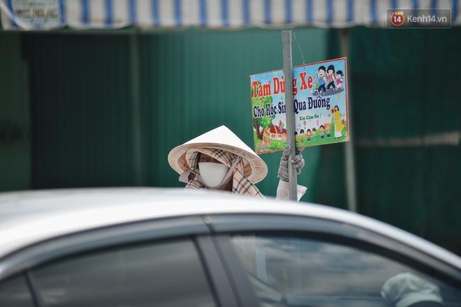 Chuyện về cô Hai Trị cứ giờ tan học lại cầm một tấm bảng lao ra xin đường cho học sinh Sài Gòn - ảnh 3