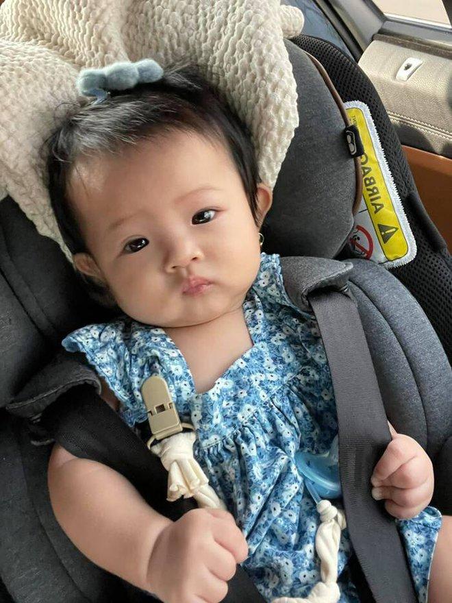 Ái nữ nhà Cường Đô La đã nói được tiếng đầu tiên nhưng nghe xong khiến mẹ Đàm Thu Trang thở dài: Con với cái thế đấy! - ảnh 2