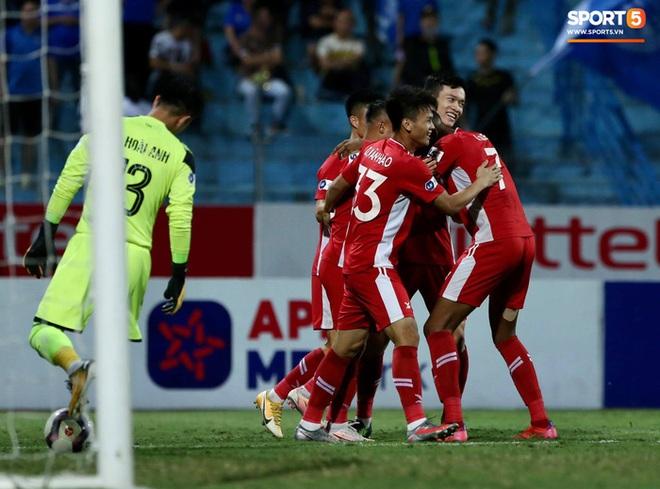 Cơn lốc đỏ Viettel giành chiến thắng 2-1 gay cấn trước CLB Quảng Ninh - ảnh 2
