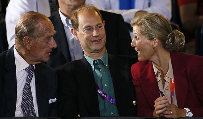 Quan hệ tốt đẹp của Hoàng tế Philip và các nàng dâu: Công nương Diana nhận sự đối đãi đặc biệt nhưng vẫn chưa phải là người được yêu quý nhất - ảnh 16