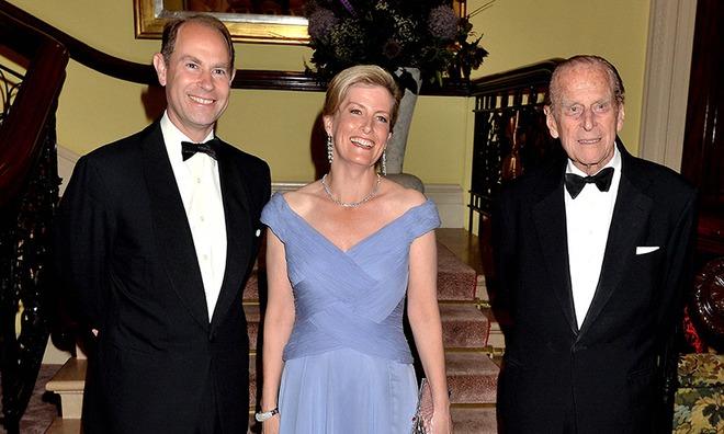 Quan hệ tốt đẹp của Hoàng tế Philip và các nàng dâu: Công nương Diana nhận sự đối đãi đặc biệt nhưng vẫn chưa phải là người được yêu quý nhất - ảnh 19