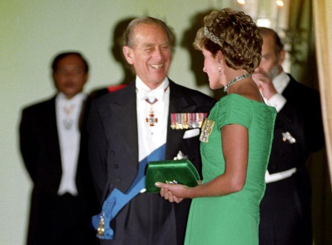 Quan hệ tốt đẹp của Hoàng tế Philip và các nàng dâu: Công nương Diana nhận sự đối đãi đặc biệt nhưng vẫn chưa phải là người được yêu quý nhất - ảnh 7