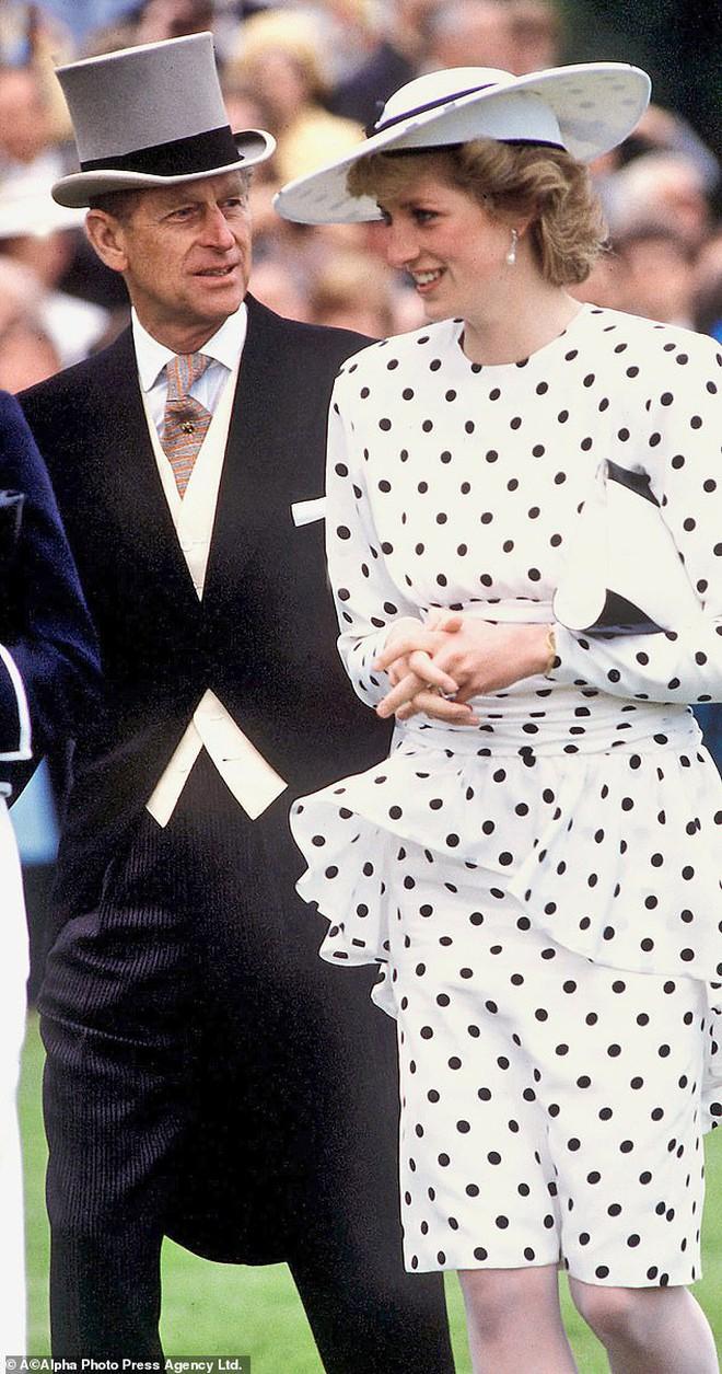Quan hệ tốt đẹp của Hoàng tế Philip và các nàng dâu: Công nương Diana nhận sự đối đãi đặc biệt nhưng vẫn chưa phải là người được yêu quý nhất - ảnh 8