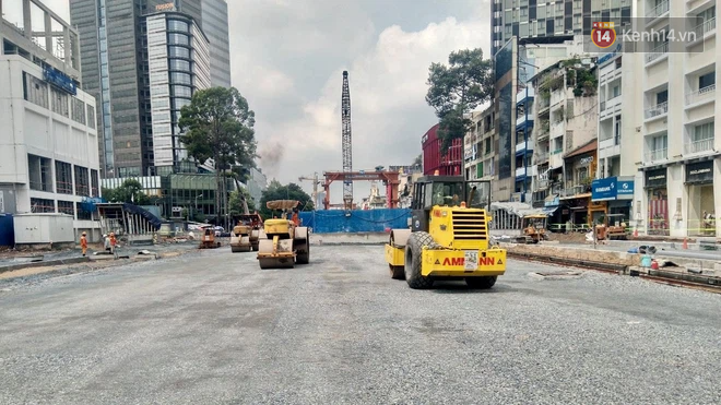 Một phần rào chắn Metro tại đất vàng trung tâm Sài Gòn được tháo dỡ, quán xá rục rịch khai trương trở lại - ảnh 15