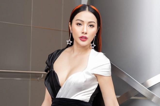 Tranh cãi kịch liệt clip Yaya Trương Nhi vô tư mặc nội y hở trên lộ dưới, uốn éo để quay TikTok - ảnh 5