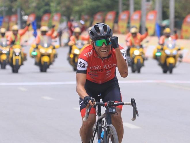 Anh kỹ sư tập xe đạp giảm cân chinh phục đường đua Cúp Truyền hình TP. Hồ Chí Minh - ảnh 1