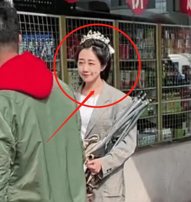 Viên Băng Nghiên bị trang tin công khai so sánh với Triệu Lệ Dĩnh, đến diễn viên đóng thế còn được mang ra khen - ảnh 4