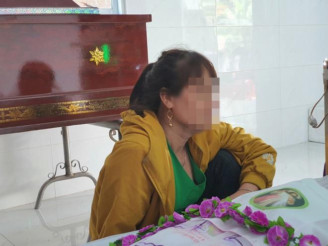 Vụ bé gái 5 tuổi nghi bị hiếp dâm ở TP. Bà Rịa: Mấy ngày nữa tới sinh nhật con rồi, phải chi bà nội chui vô hòm để con được sống - ảnh 6