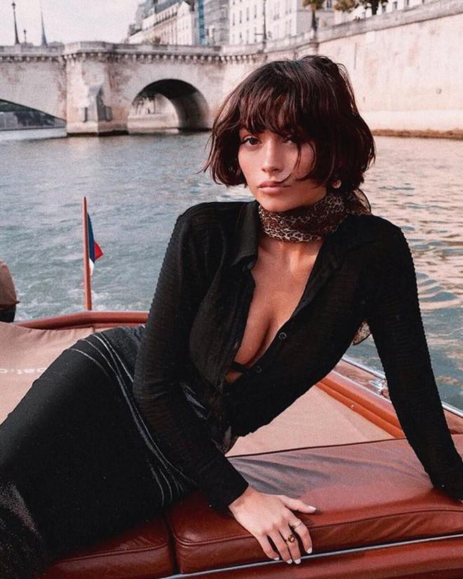 French bob: Kiểu tóc vài thế kỷ rồi mà chưa chịu hết hot, vừa thanh lịch mà lại  yêu chiều được mọi kiểu trang phục - ảnh 16