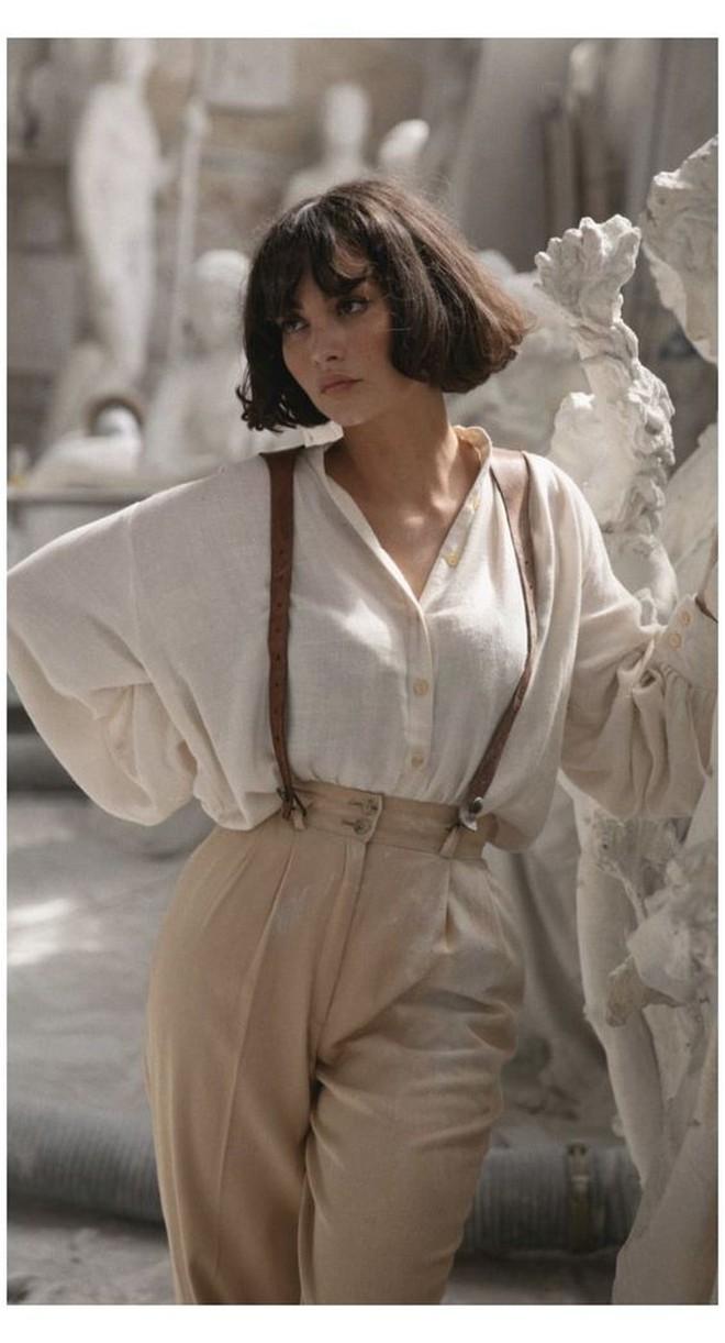 French bob: Kiểu tóc vài thế kỷ rồi mà chưa chịu hết hot, vừa thanh lịch mà lại  yêu chiều được mọi kiểu trang phục - ảnh 13